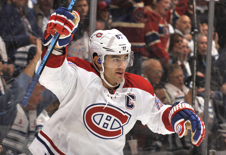 Max Pacioretty comemora seu primeiro gol como capitão do Montreal Canadiens. (Foto por Graig Abel/NHLI via Getty Images)